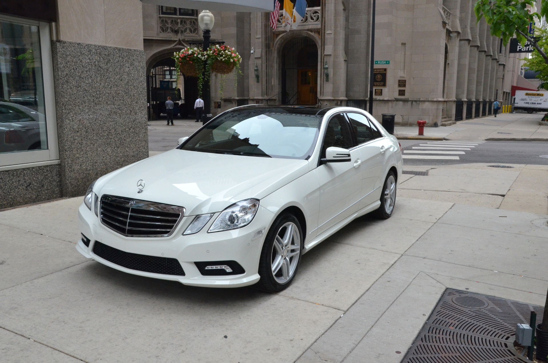 2011 mercedes benz e class e550 4matic sport stock gc1059a for sale near chicago il il. Black Bedroom Furniture Sets. Home Design Ideas