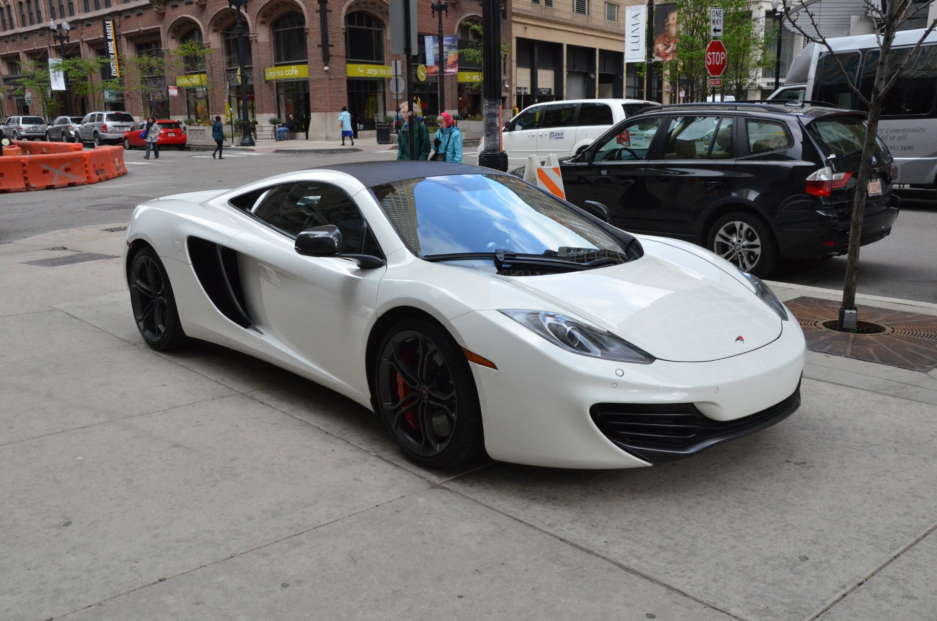 2012 mclaren mp4 12c stock 00384 for sale near chicago. Black Bedroom Furniture Sets. Home Design Ideas