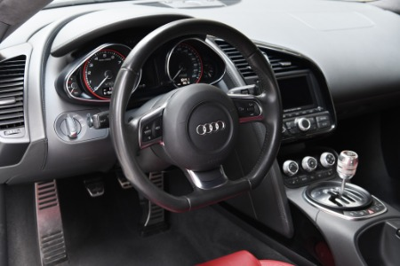Used 2011 Audi R8 5.2 quattro | Chicago, IL