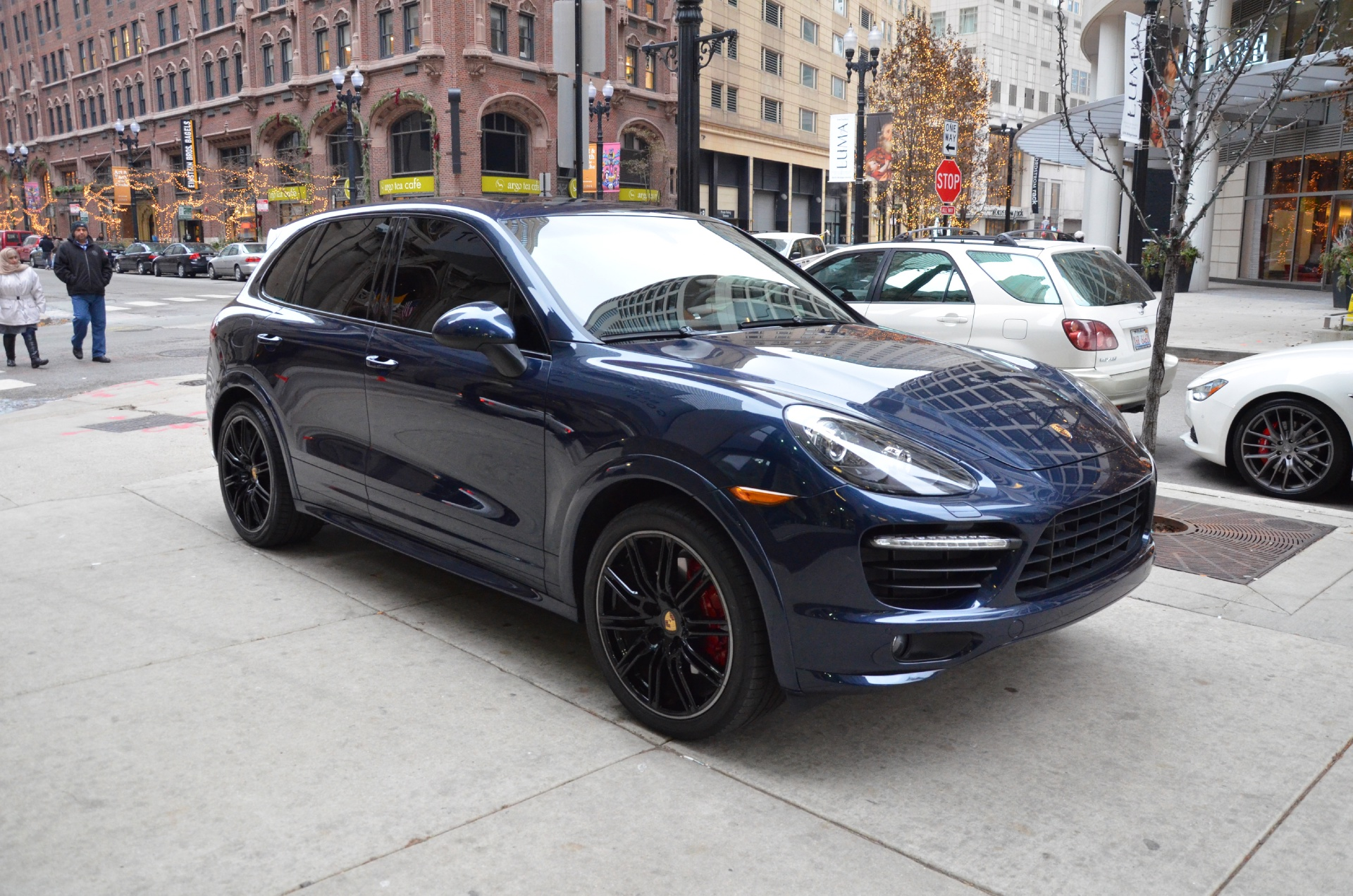2014 porsche cayenne gts stock b656b for sale near chicago il il porsche dealer. Black Bedroom Furniture Sets. Home Design Ideas