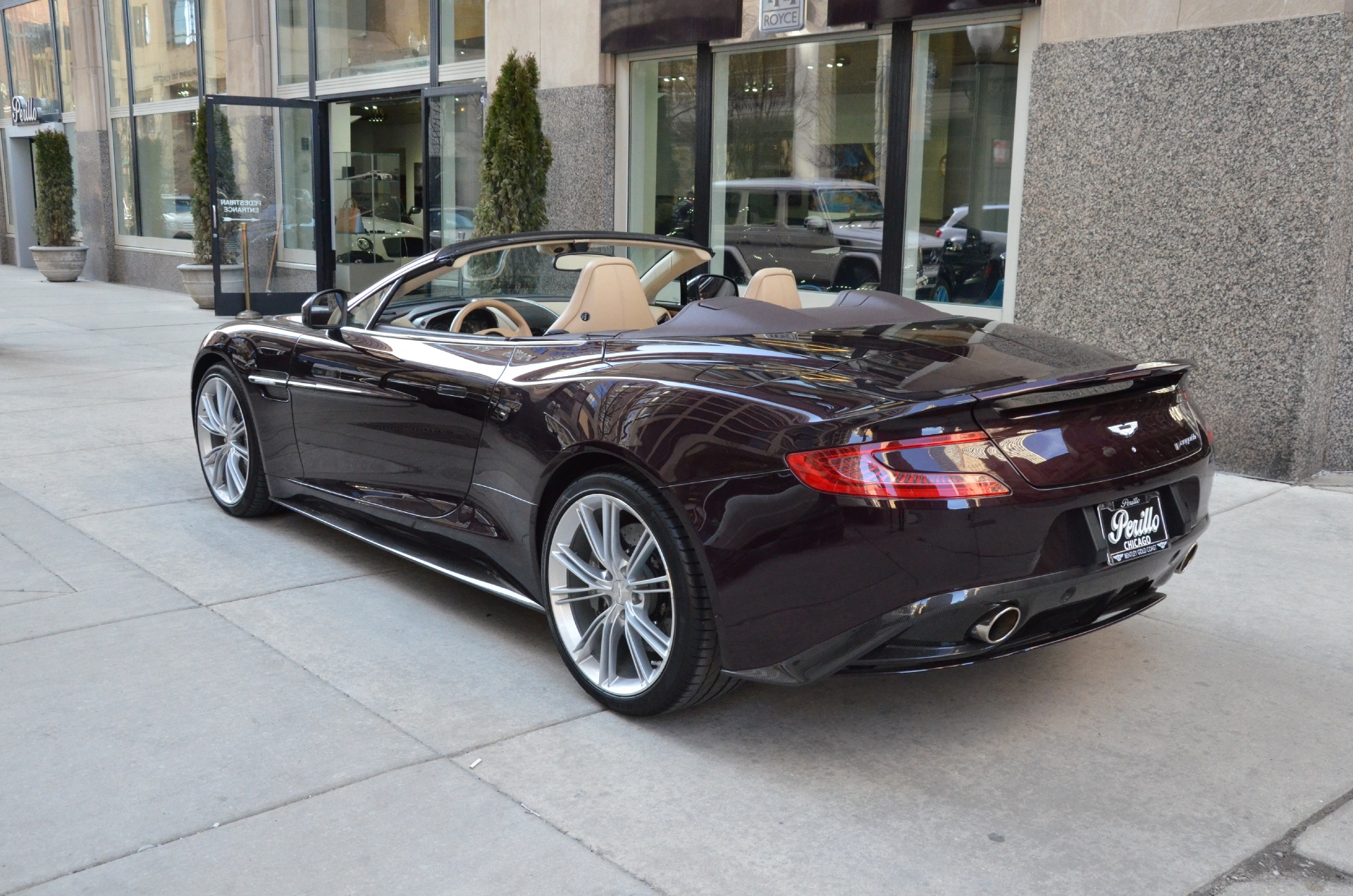 2014 aston martin vanquish convertible volante stock b611aa for sale near chicago il il. Black Bedroom Furniture Sets. Home Design Ideas