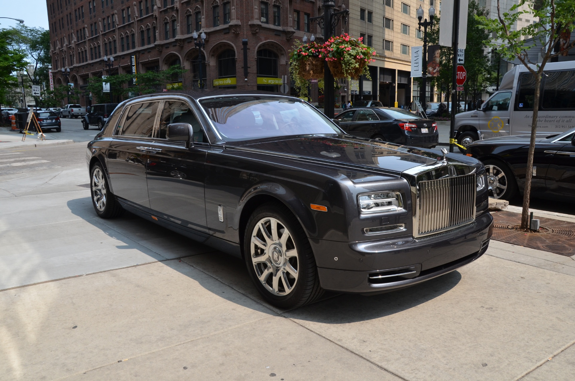 2014 rolls royce phantom extended wheelbase ewb stock r215 s for sale near chicago il il. Black Bedroom Furniture Sets. Home Design Ideas
