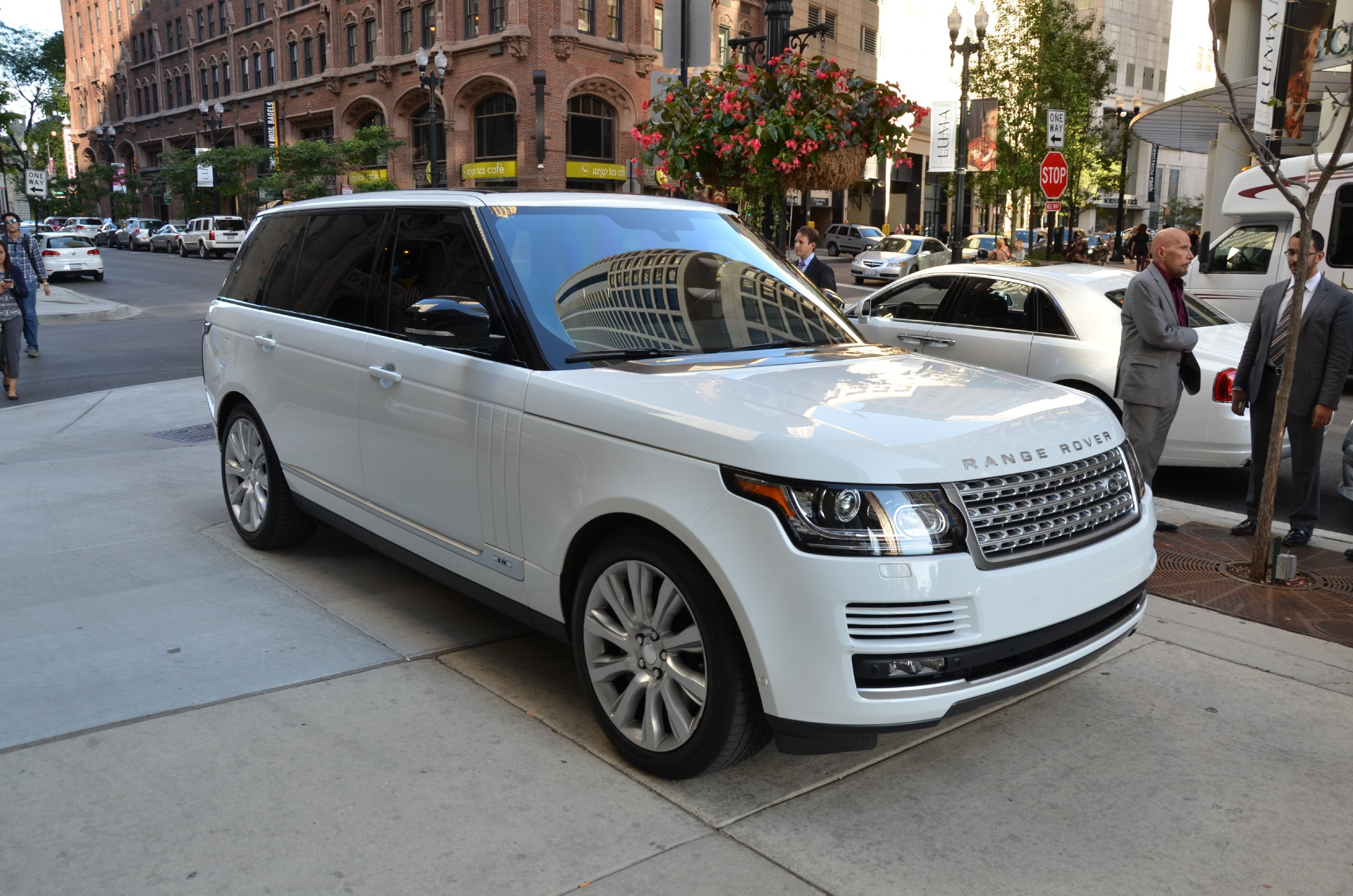 2014 land rover range rover supercharged lwb stock r209b for sale near chicago il il land. Black Bedroom Furniture Sets. Home Design Ideas