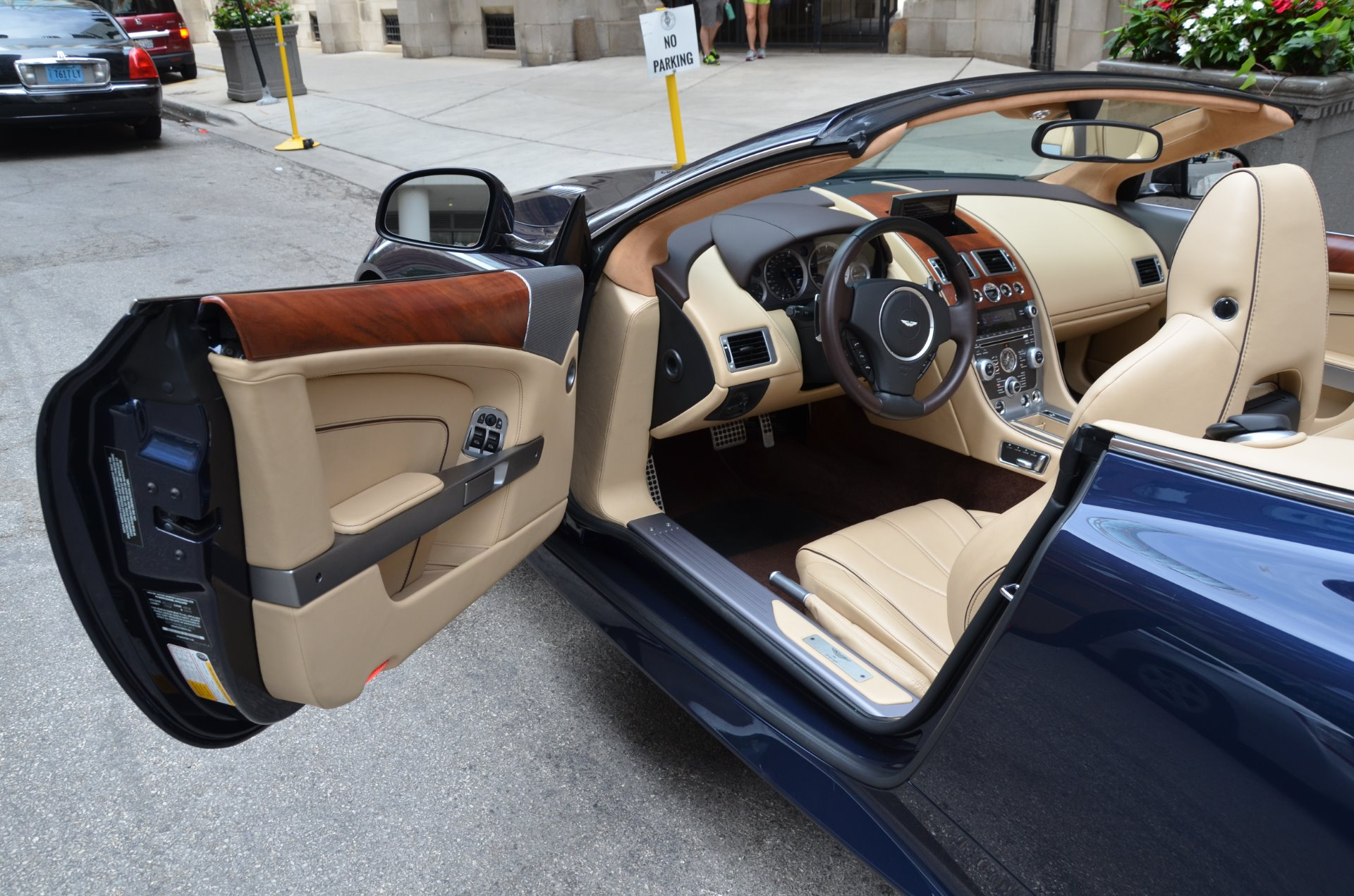 2014 aston martin db9 volante stock b793a s for sale. Black Bedroom Furniture Sets. Home Design Ideas