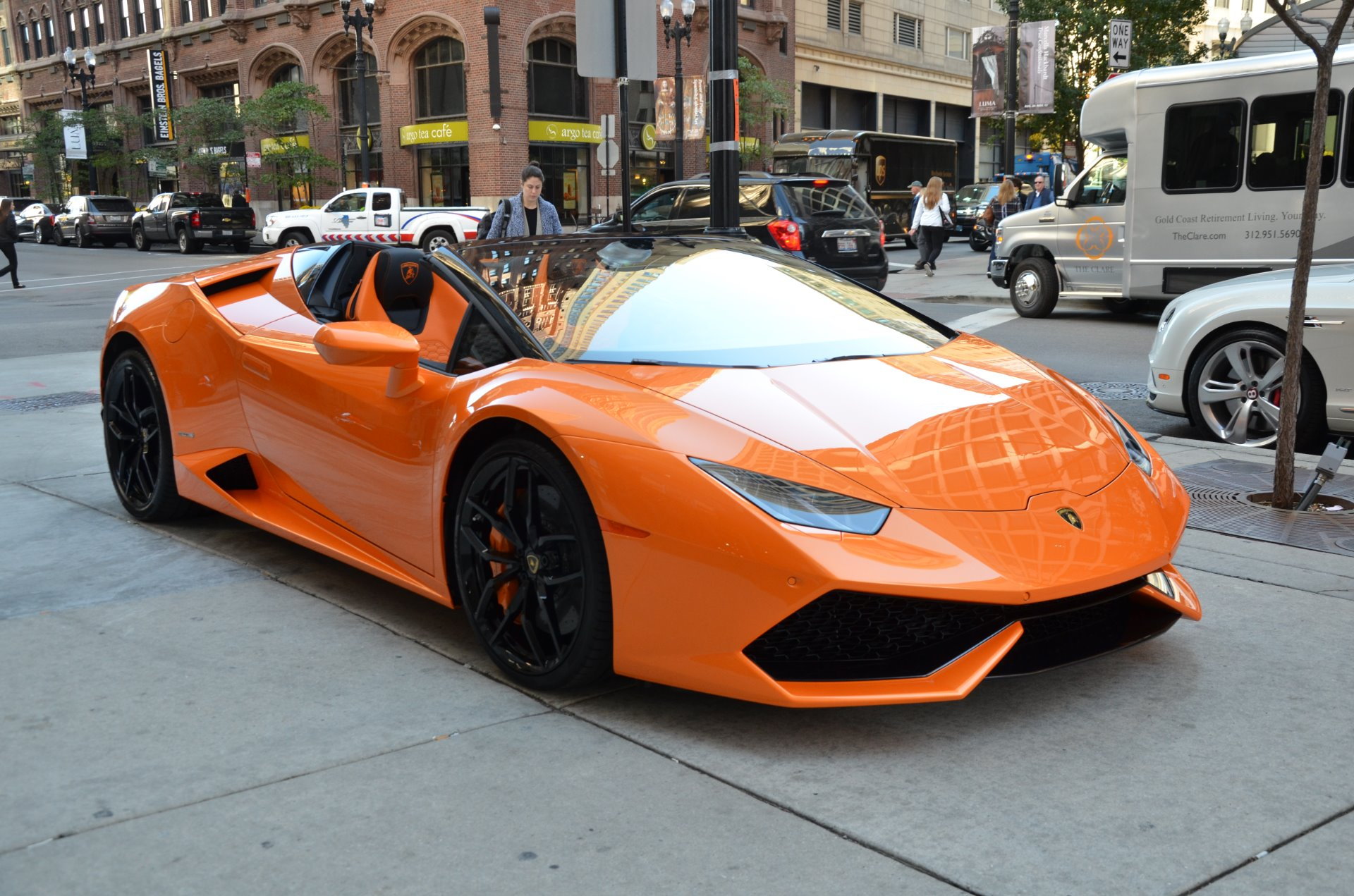 2017 lamborghini huracan spyder lp 610 4 spyder stock gc mir86 for sale near chicago il il. Black Bedroom Furniture Sets. Home Design Ideas