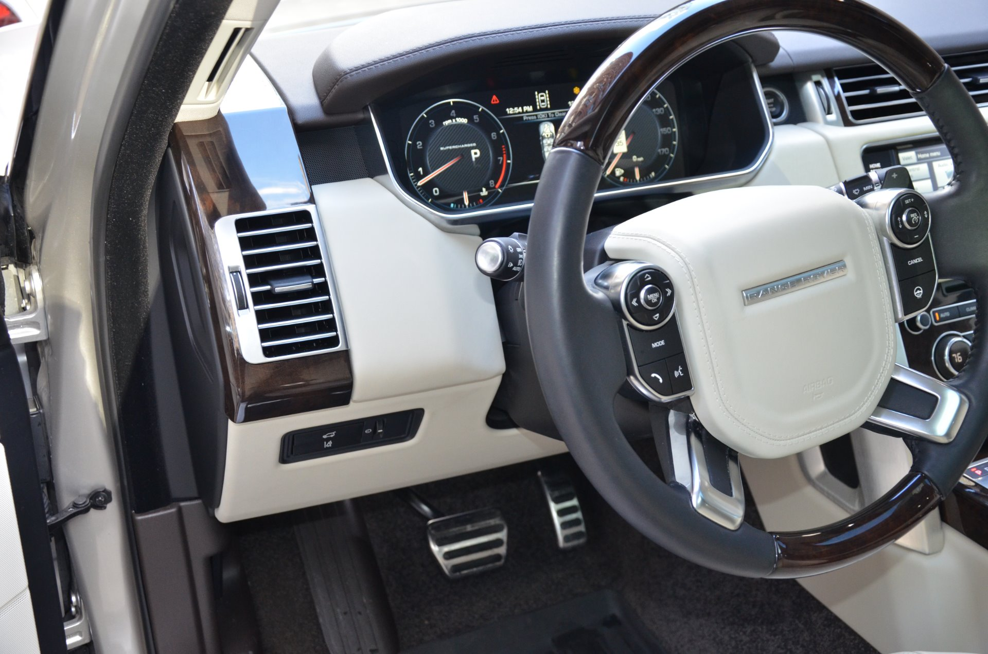 2015 Land Rover Range Rover Supercharged Stock B882A for sale near