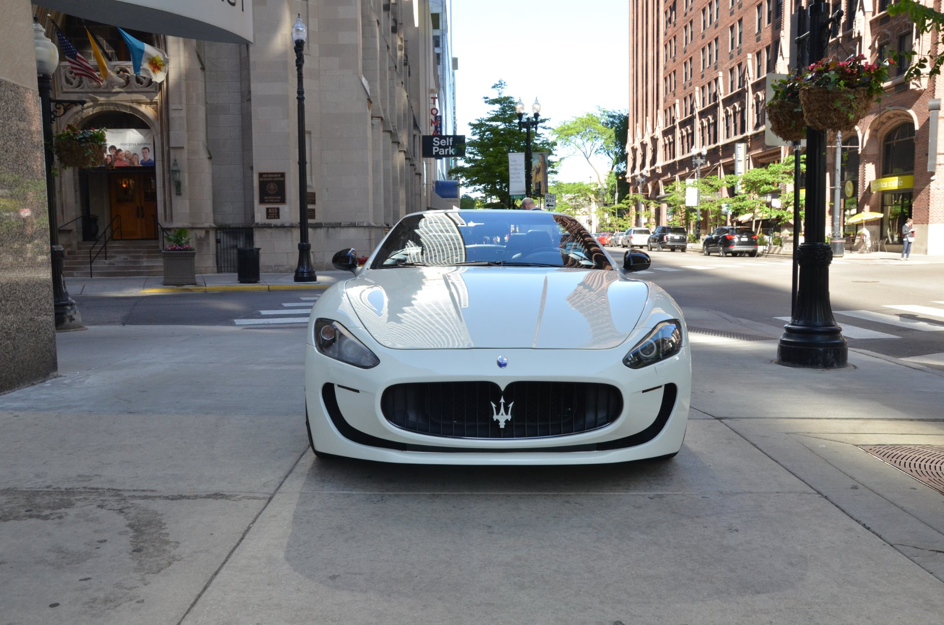 2011 maserati granturismo convertible stock 56238 for sale near chicago il il maserati dealer. Black Bedroom Furniture Sets. Home Design Ideas
