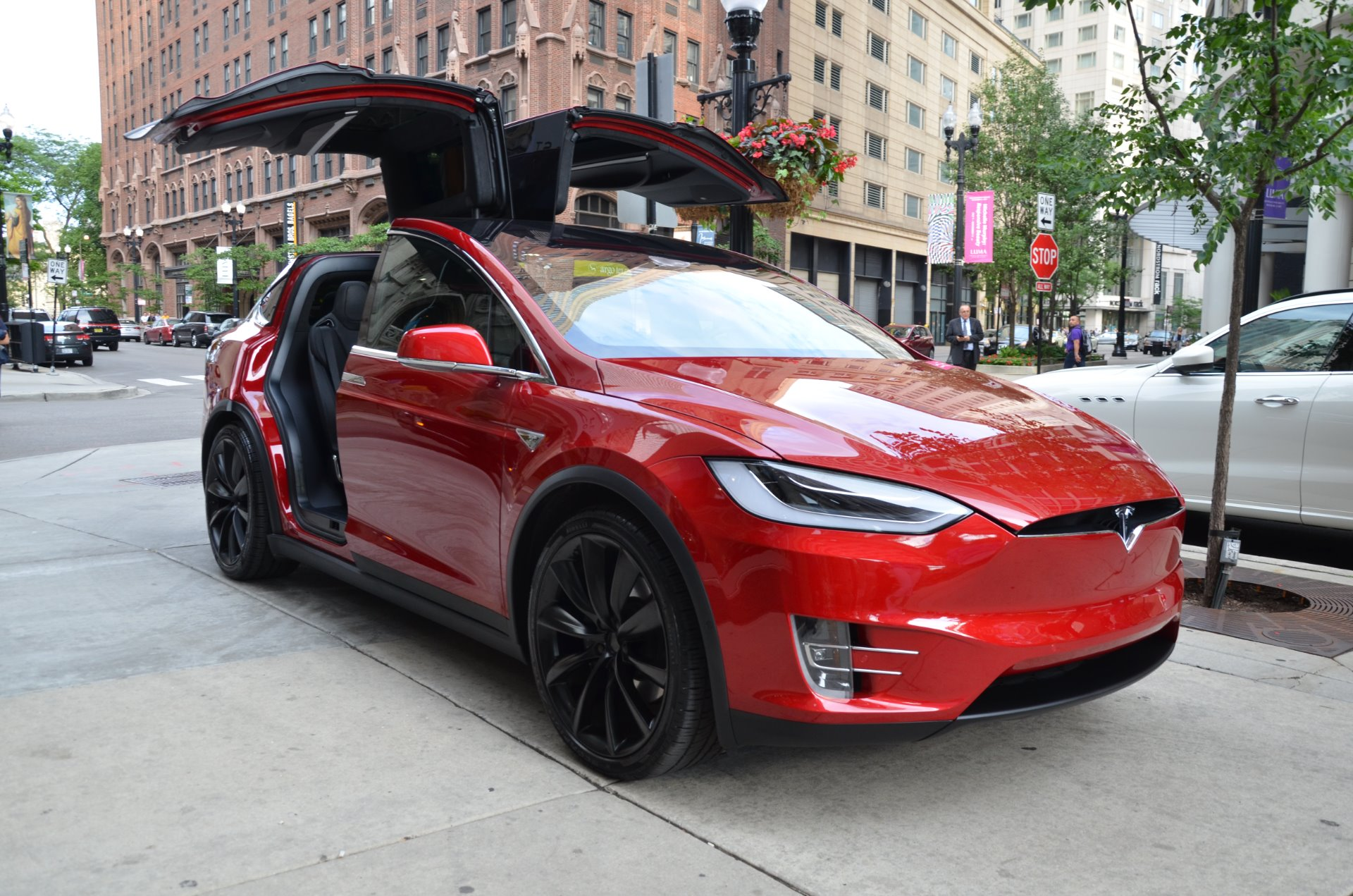 2016 tesla model x 75d stock l380b for sale near chicago il il tesla dealer. Black Bedroom Furniture Sets. Home Design Ideas