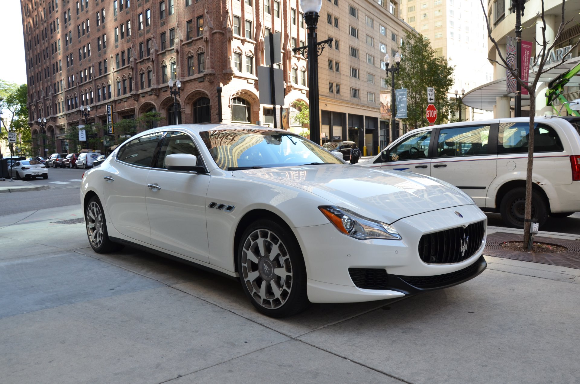 2014 maserati quattroporte gts sport gt s stock r448a for sale near chicago il il maserati. Black Bedroom Furniture Sets. Home Design Ideas