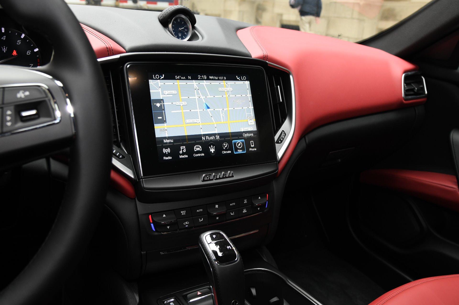 New 2019 Maserati Ghibli SQ4 | Chicago, IL