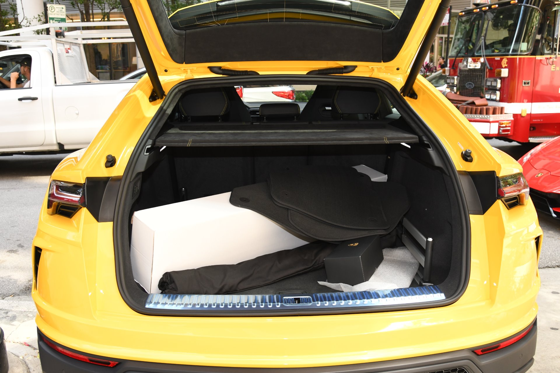 New 2019 Lamborghini Urus  | Chicago, IL