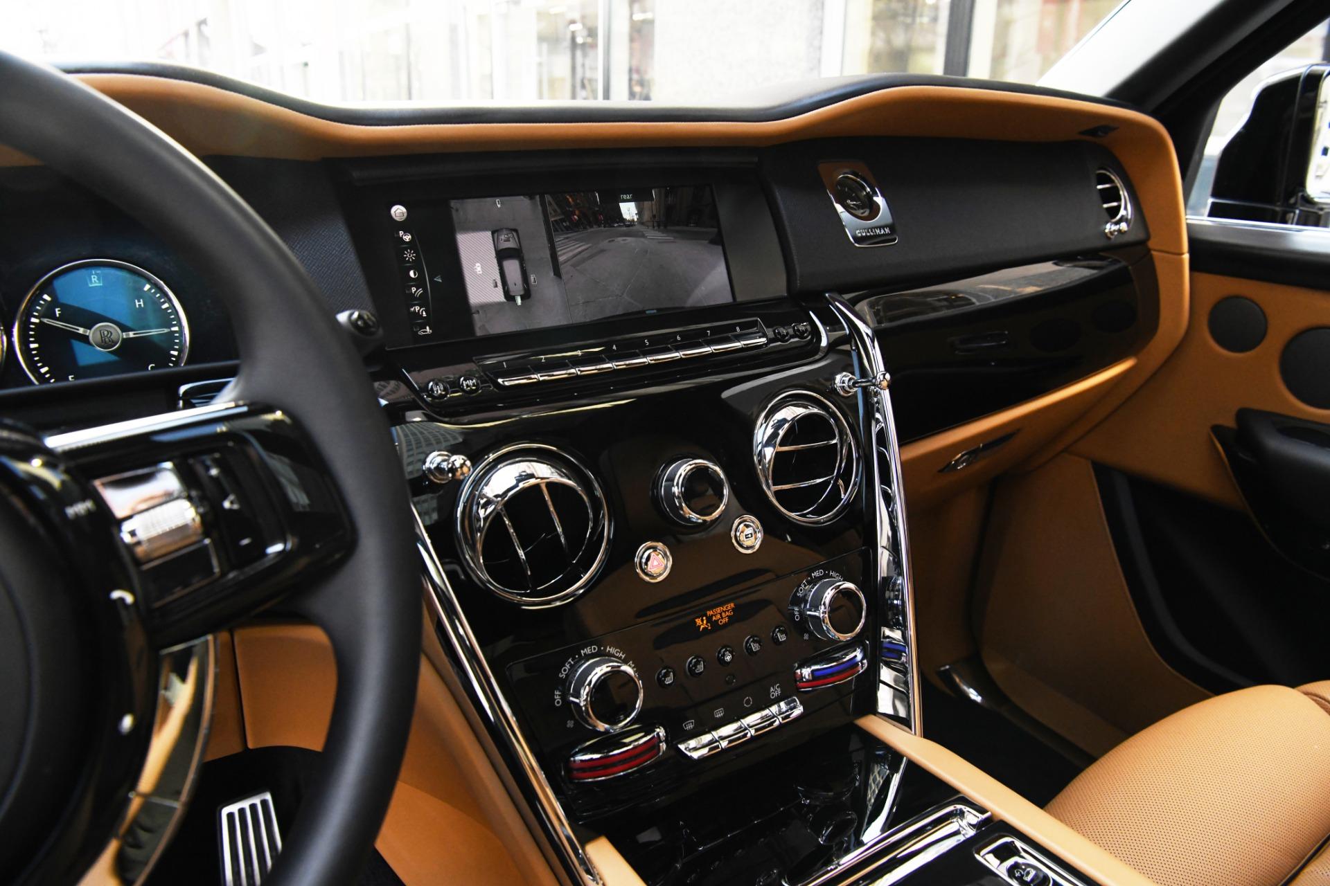New 2019 Rolls-Royce Cullinan  | Chicago, IL