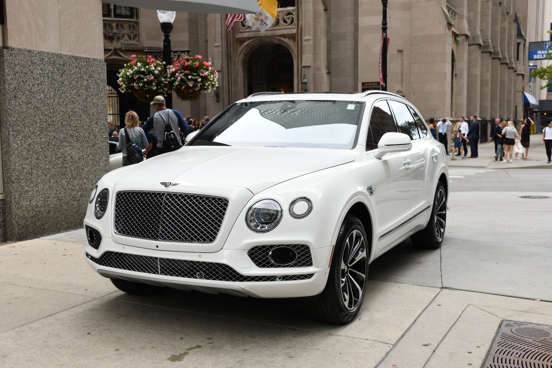 Bentley Bentayga For Sale >> 2020 Bentley Bentayga V8 Stock B1179 For Sale Near Chicago