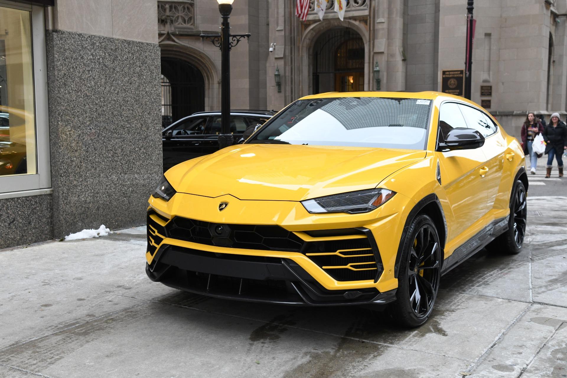 Resultado de imagen para 2020 Lamborghini Urus engine
