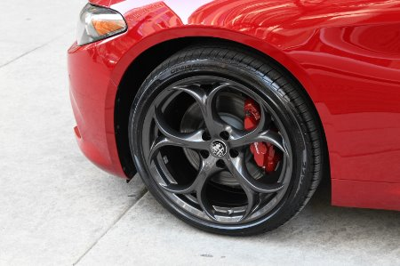 New 2020 Alfa Romeo Giulia Ti | Chicago, IL