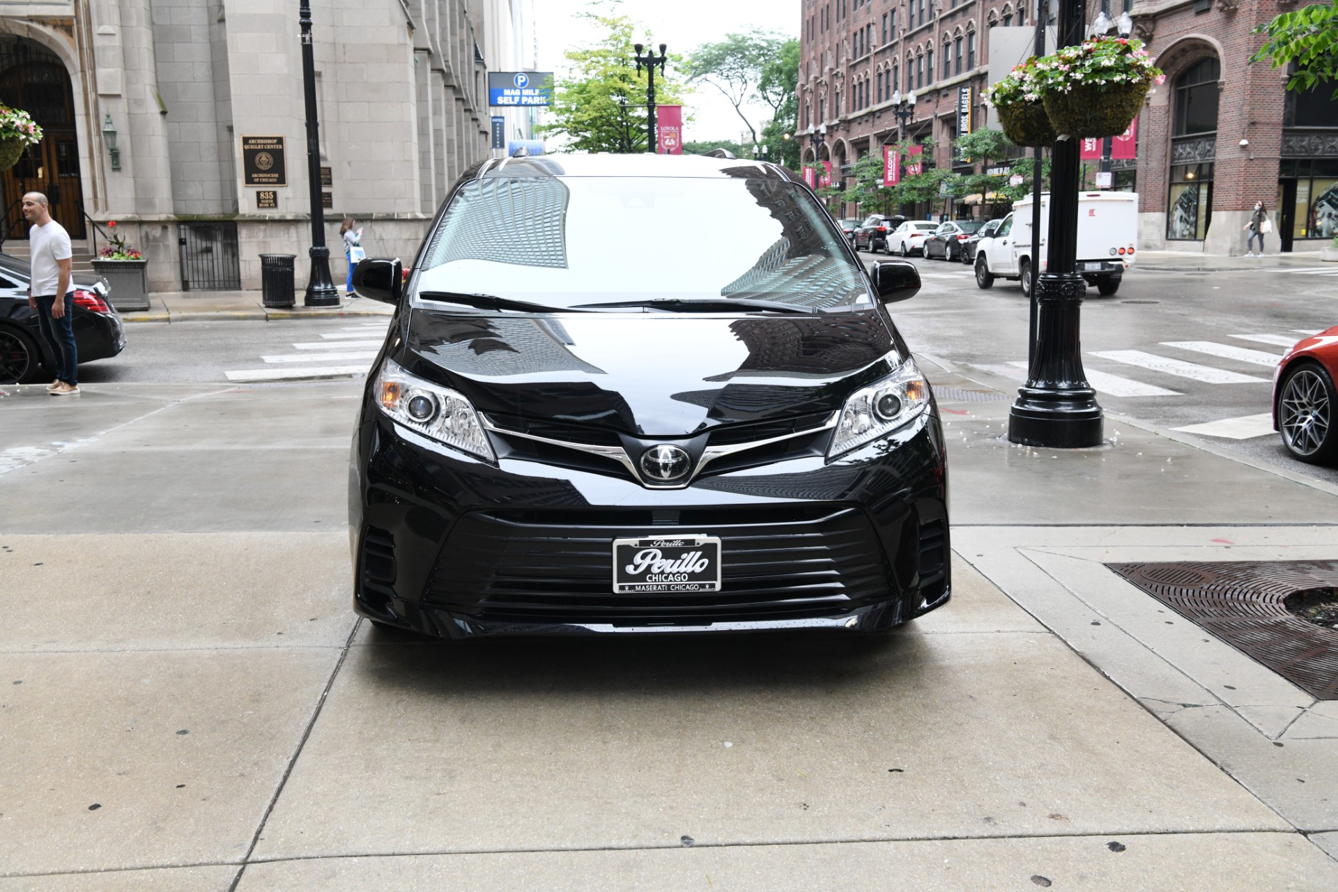 Used 2018 Toyota Sienna LE 8-Passenger | Chicago, IL