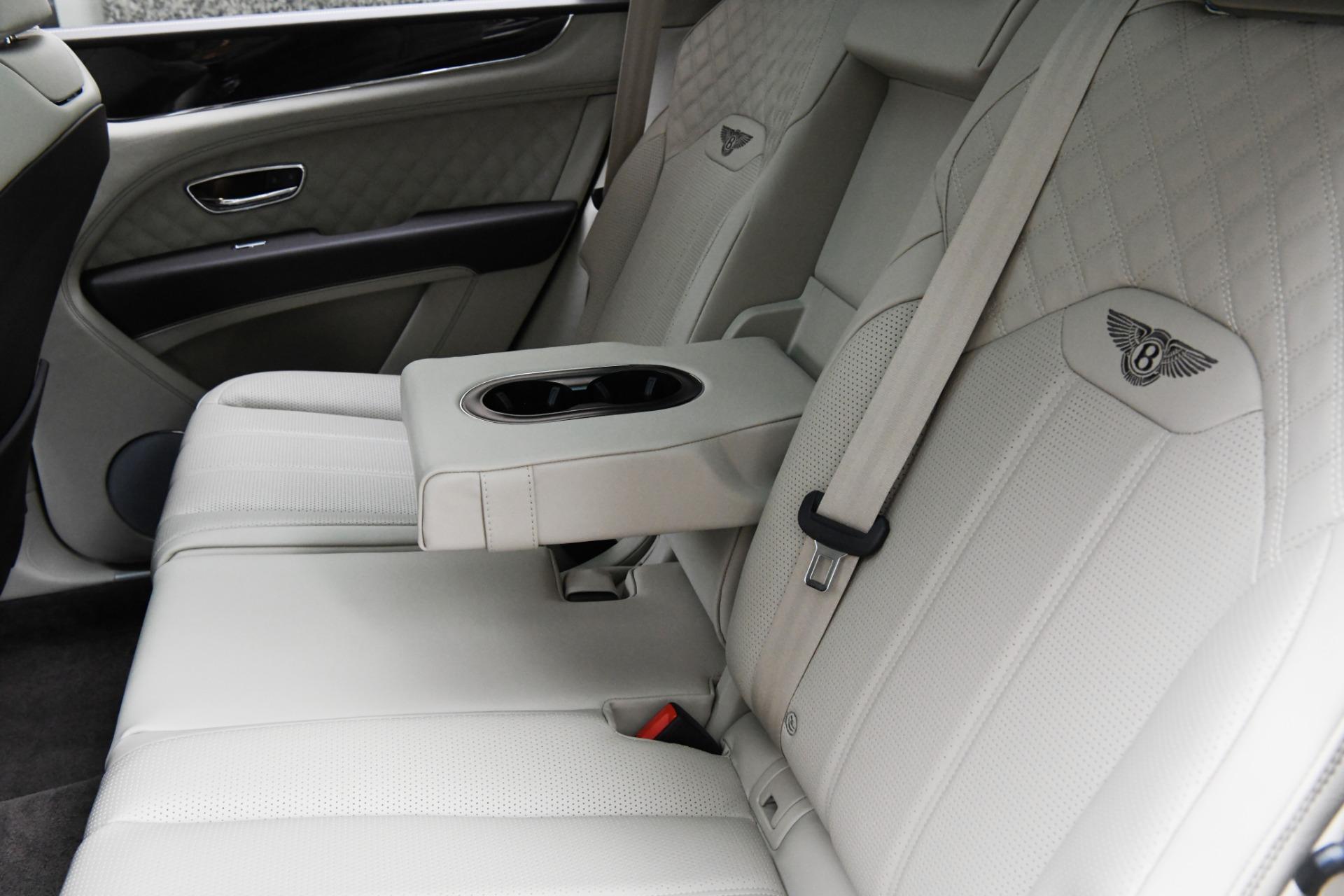 New 2021 Bentley Bentayga V8   Chicago, IL