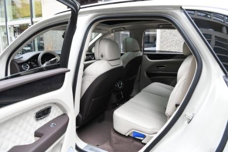 New 2021 Bentley Bentayga Hybrid   Chicago, IL