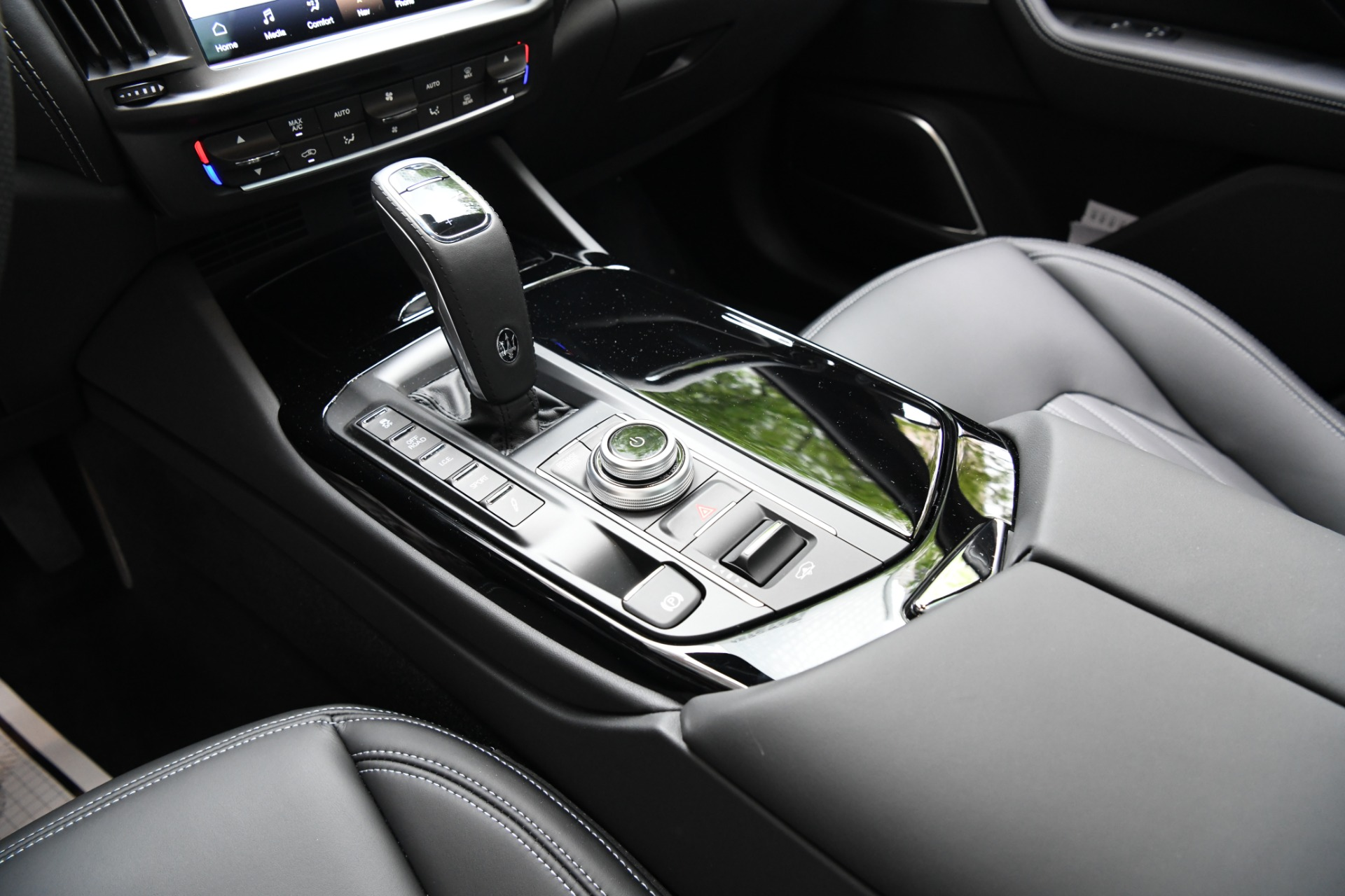 New 2021 Maserati Levante    Chicago, IL